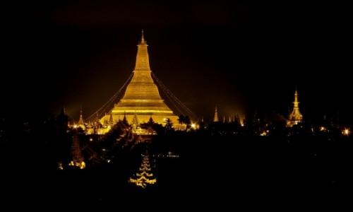 MYANMAR / Yangon / Yangon / Shwedagon Pagoda