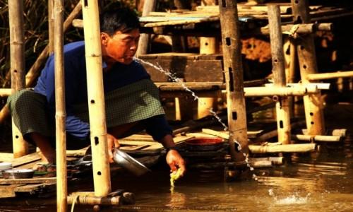 Zdjęcie MYANMAR / Taunggyi District / Inle Lake / Myanmar (Birma), fontanna z wioski Nam Hu...