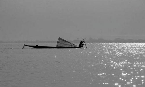 Zdjęcie MYANMAR / Płd.Birmy / Jezioro INLE / * * *