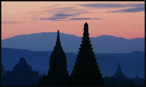 Zdjecie MYANMAR / Bagan  / Bagan / kolory w Bagan