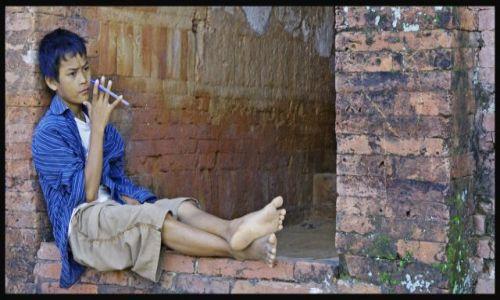 Zdjecie MYANMAR / Bagan  / Bagan / chwila zadumy