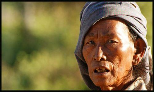 Zdjecie MYANMAR / Bagan / Bagan / twarze Birmy