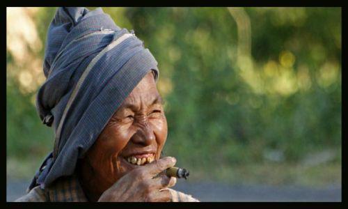 Zdjęcie MYANMAR / Bagan / Bagan / twarze Birmy