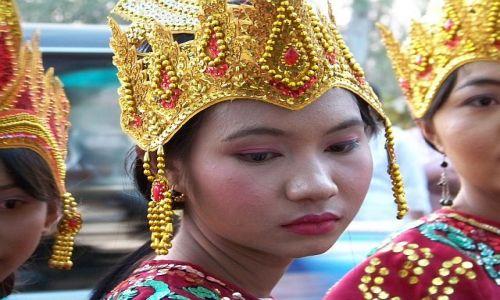 Zdjecie MYANMAR / brak / w drodze do Mandalay / Birmańska Piękność