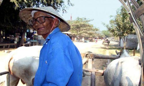 Zdjecie MYANMAR / Myanmar / Mingun / ludzie