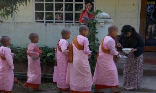 Zdjecie MYANMAR / Heho / Nyaung Shwe / Śniadanie - co dobrzy sąsiedzi dadzą