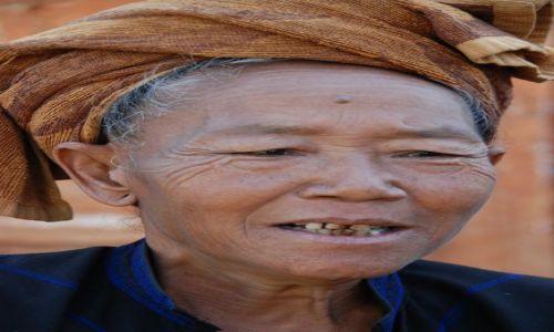Zdjęcie MYANMAR / Inle / Inle / Kobieta znad Jeziora Inle
