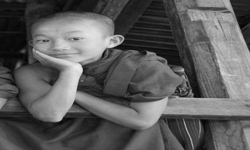 Zdjęcie MYANMAR / Jezioro Inle / Inle / Uśmiech za uśmirch