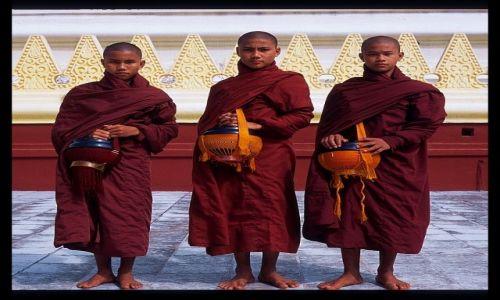 Zdjecie MYANMAR / Mandalay / Mingun / Birma 14