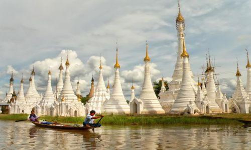 Zdjecie MYANMAR / Prowincja Shan / Jezioro Inle ( Inle lake ) / Białe stupy