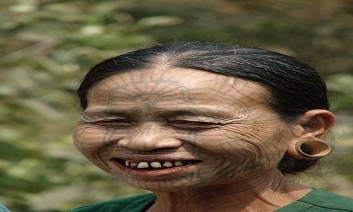 Zdjecie MYANMAR / Sitwe / -Mrauk u / Pani