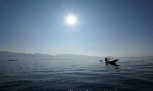 Zdjecie MYANMAR / Nyaung Shwe / Jezioro Inle / Wieczorny połów