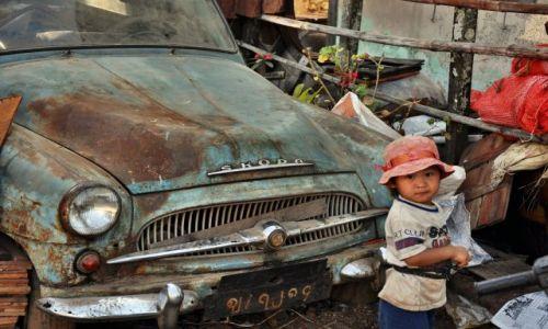 Zdjęcie MYANMAR / - / kalaw / stara skoda w birmie