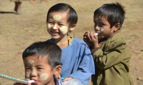 Zdjecie MYANMAR / - / Jezioro Inle / Ale wesoło!