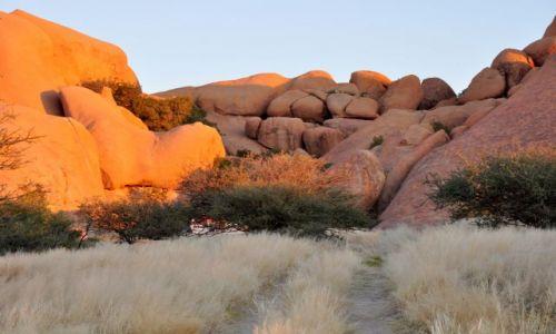 Zdjęcie NAMIBIA / - / Spitzkoppe / Obozowisko