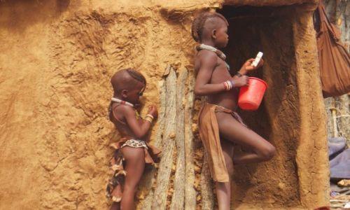 Zdjęcie NAMIBIA / Namibia / wioska Himba / Plemie Hima