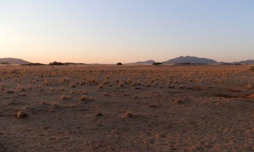 Zdjęcie NAMIBIA / Pustynia Namib / Gdzieś / Kiedy słońce idzie spać..