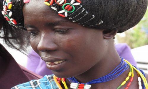 NAMIBIA / Opuwo / miasto / Lokalne plemiona