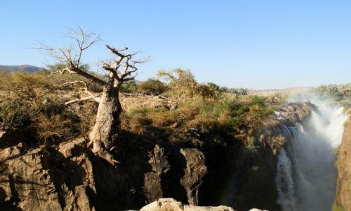 Zdjęcie NAMIBIA / Granica z Angolą / Epupa Falls / Urokliwy wodospad