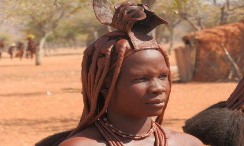 Zdjecie NAMIBIA / Granica z Angolą / Okolice Epupa / Tradycyjny strój Himba