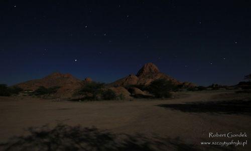 Zdjęcie NAMIBIA / Spitzkoppe / Spitzkoppe / Spitzkoppe nocą