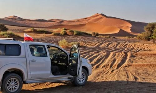Zdjęcie NAMIBIA / Pustynia Namib / Sossusvlei / Zachód słońca w Deadvlei