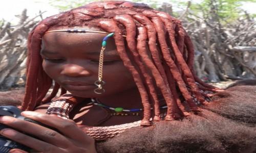 Zdjecie NAMIBIA / Kunene / Wioska Himba / Świat poza wioską - jaki jest?