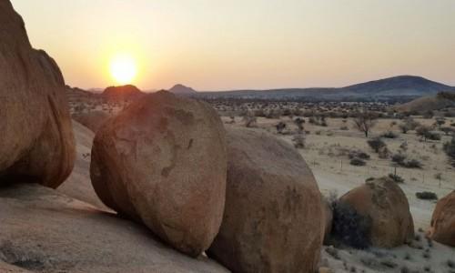 NAMIBIA / Zachodnia Namibia / Spitzkoppe / Tam, gdzie mieszkają olbrzymy