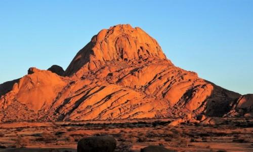 NAMIBIA / Ziemie Buszmenów / Spitzkoppe / Jedno z najciekawszych miejsc w Namibii