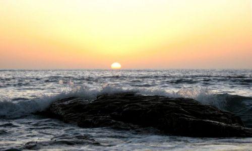 Zdjecie NAMIBIA / Swakopmund / plaża / wieczorna fala
