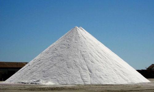 Zdjecie NAMIBIA / Walvis BAy / a to podpowiedż w konkursie :) / piramida :)