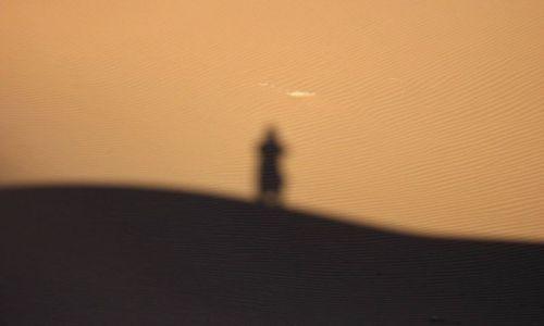 Zdjecie NAMIBIA / Sousussvlei / Wielka Pustynia Namibijska / orła cień ;)