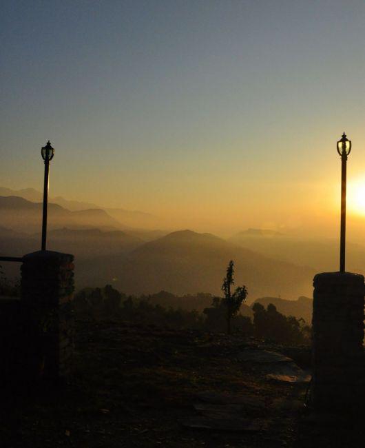 Zdjęcia: Pokhara, Widok z okna o wschodzie słońca, NEPAL