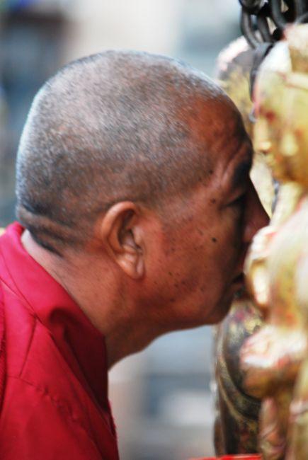Zdjęcia: Kathmandu, Kathmandu, Pocałunek mnicha, NEPAL