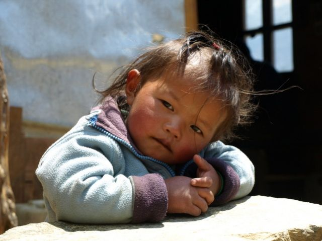 Zdjęcia: Mong Lo, Khumbu-Gokyo, Zamyślona, NEPAL