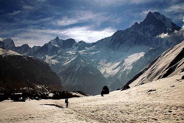 Zdjęcia: Trekking w rejonie Annapurna, Annapurna, W drodze do bazy ..., NEPAL