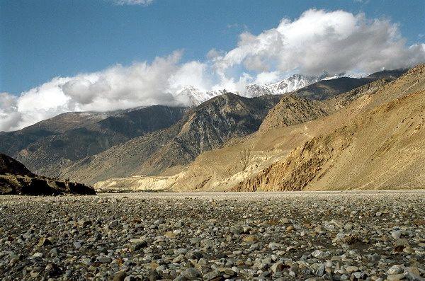 Zdj�cia: W dolinie rzeki, Annapurna, Rzeka Kali Gandaki, NEPAL