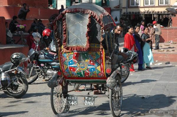 Zdjęcia: Durbar Square, Kathmandu, Rikszarz na Durbar Square, NEPAL