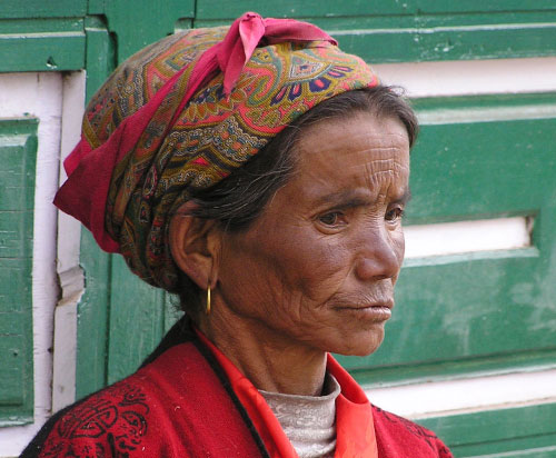 Zdjęcia: NEPAL, SAGARMATHA, NEPALSKA KOBIETA, NEPAL