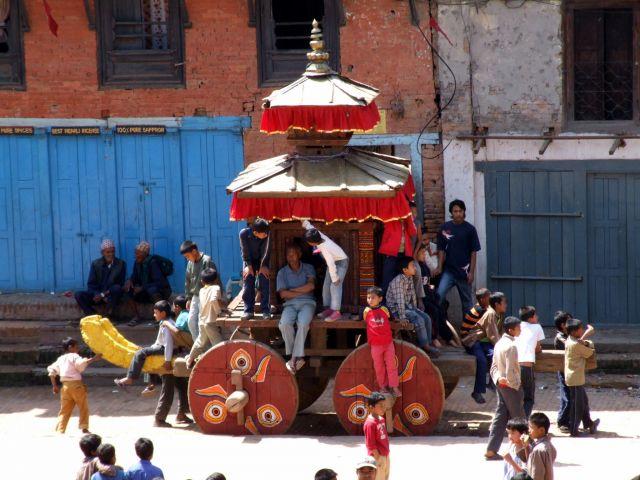 Zdjęcia: Bhaktapur, Dolina Kathmandu, Bedzie imprezka, NEPAL