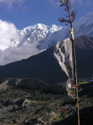 Zdj�cia: Jomsom?, Annapurna, Niech s�owa Buddy powiewaja na wietrze:), NEPAL