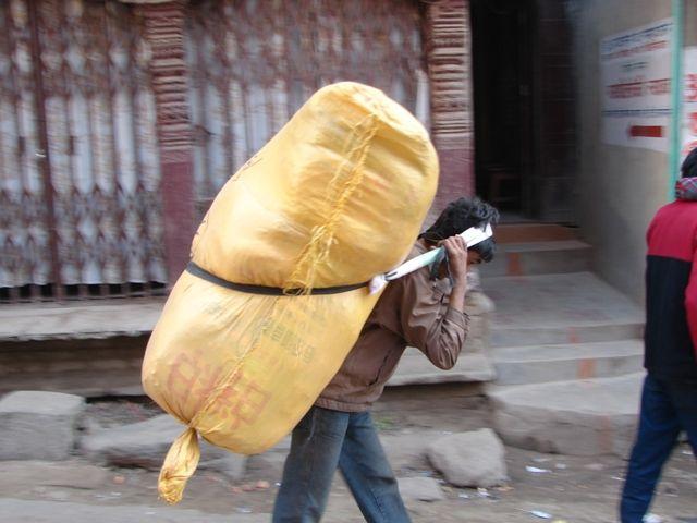 Zdj�cia: Kathmandu, Tragarz, NEPAL