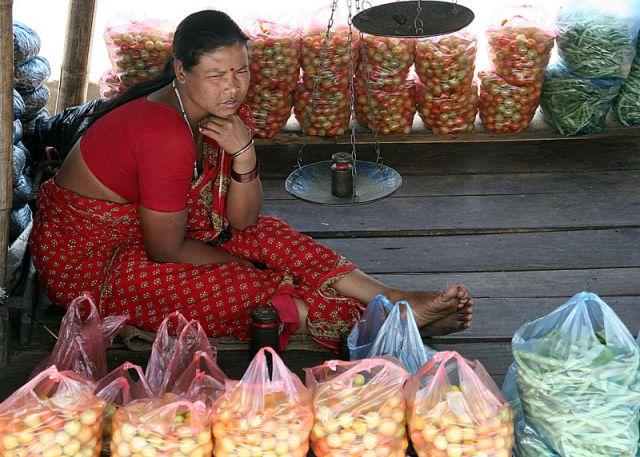 Zdjęcia: W drodze do Katmandu, Npalska handlarka, NEPAL