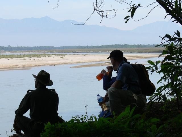 Zdjęcia: Chitwan, Himalaje, Chwila odpoczynku w Parku Narodowym Chitwan, NEPAL