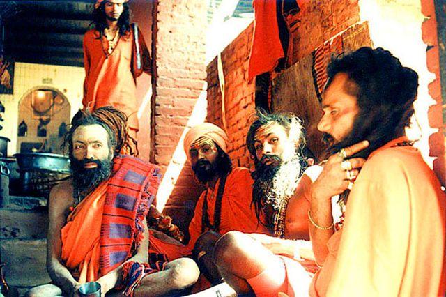 """Zdj�cia: Kathmandu, Dolina Kathmandu, sadhu z Pashupati w swej altanie """"Annapurna"""", NEPAL"""