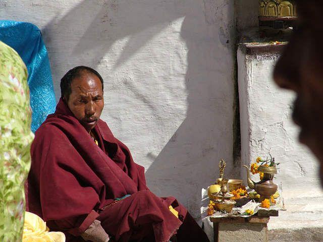 Zdjęcia: Kathmandu, Mnich pod Stupą Bodnath, NEPAL