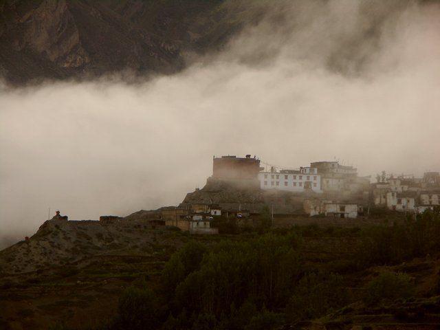 Zdjęcia: Jarkot, Annapurna Trek, okolice Mustang, Jarkot o wschodzie słońca., NEPAL