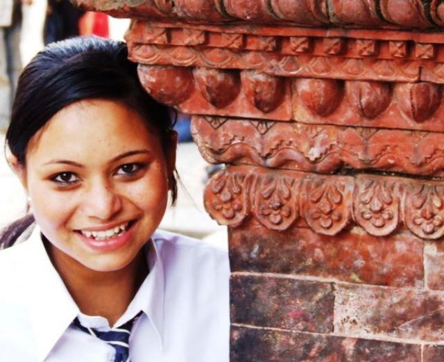 Zdj�cia: gdzie� na szlaku, uczennica - styl brytyjski, NEPAL