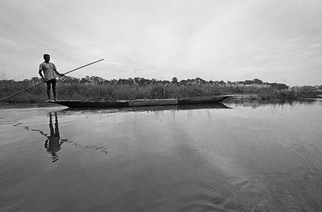 Zdjęcia: Chitwan, Chitwan Park, Rybak, NEPAL