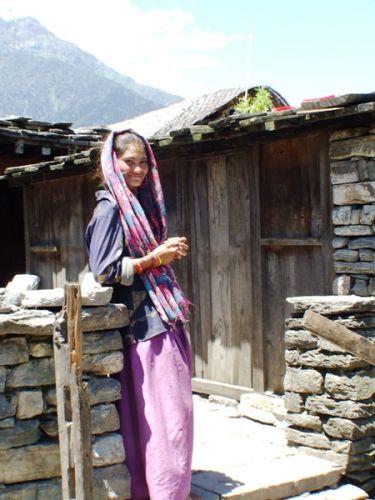 Zdjęcia: gdzies na szlaku.., mloda góralka, NEPAL